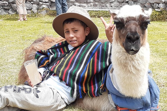 - Otavalo, ECUADOR