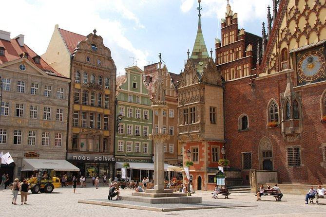 Private Transfer from Warsaw to Wroclaw with 2h of Sightseeing