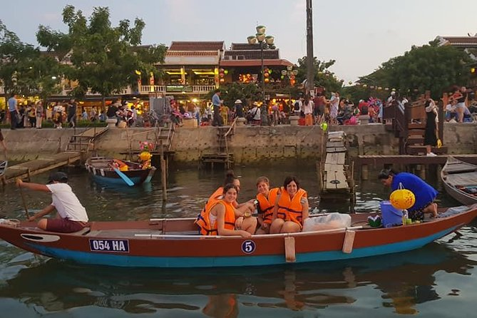 Marble Mountain & Hoi An Nightlife Tour with Hoi An Walking , Sampan Boat Ride,