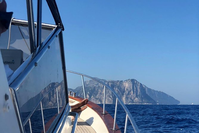 Capri boat tour photo 1