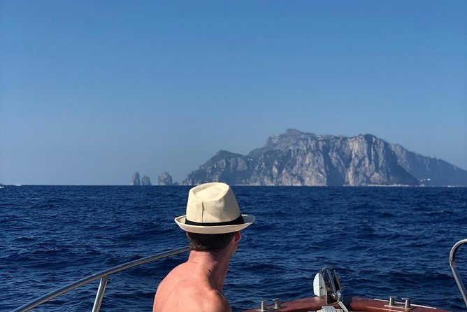 Capri boat tour photo 18