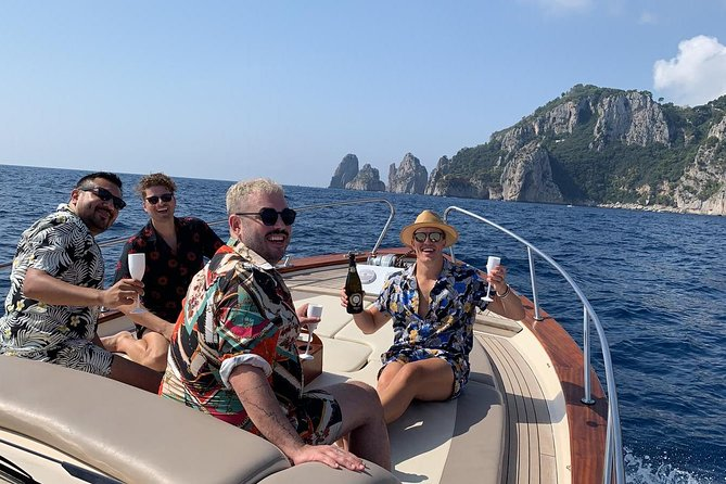 Capri boat tour photo 17