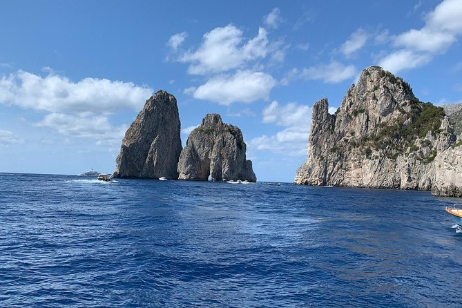 Capri boat tour photo 11