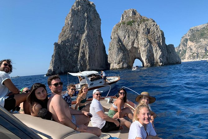 Capri boat tour photo 19