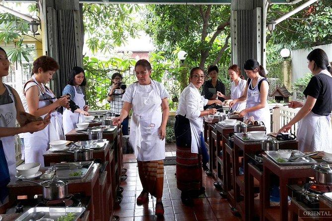 Authentic Thai Cooking Class at Amita School