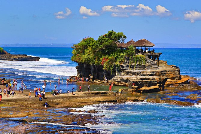 Tanah Lot, Ulun Danu Temple & Jatiluwih Green Land Tours