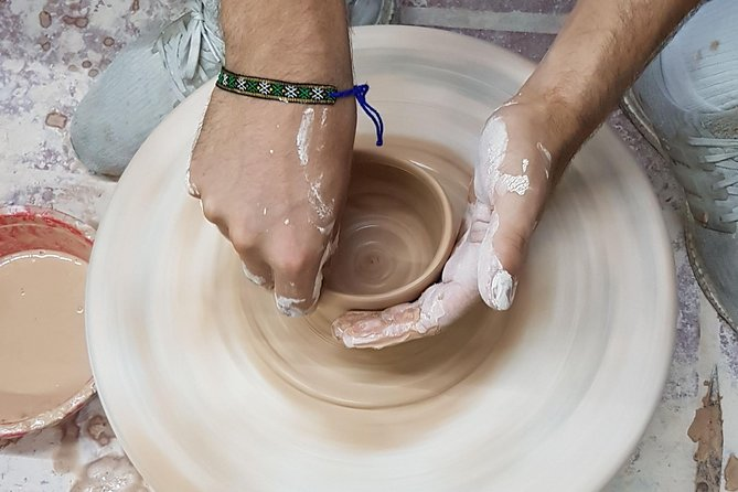 Enjoy making pottery in Amazing Ancient Village!