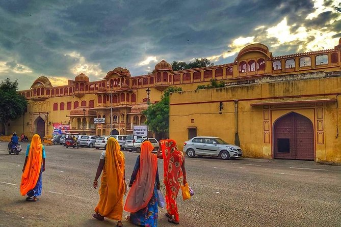 India's Best seller 5 Days Golden Triangle Tour with Dinner