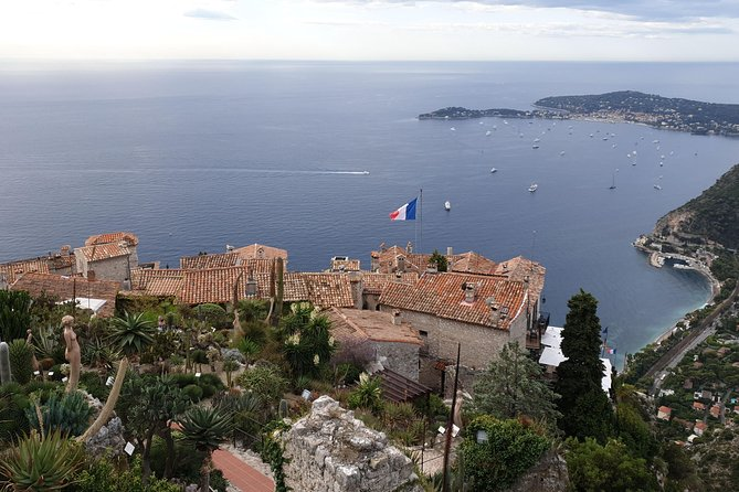 "Private Cruise Excursion ""Highlights of the French Riviera"" with Licensed Guide"