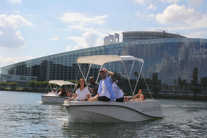 Electric boat rental without license
