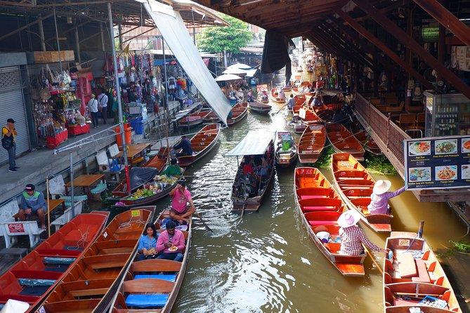 Private : Damnoen Saduak Floating Market & Maeklong Railway Market Day Tour