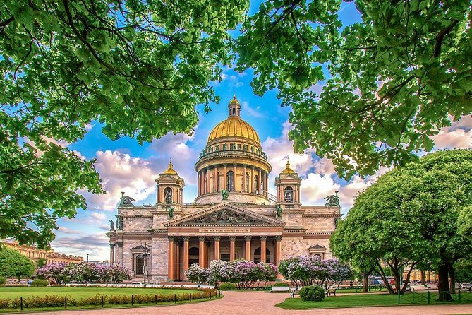 St. Petersburg Full-Day Private Overview City Tour with Lunch