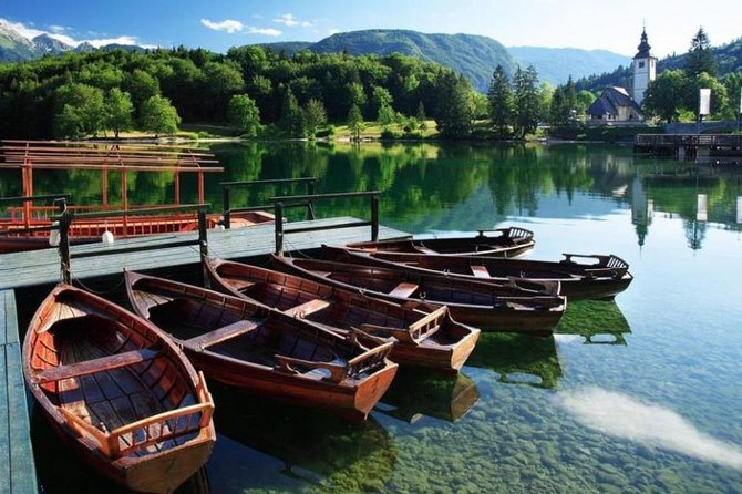 Private tour. Lake Bled, Lake Bohinj and surrounding area. Price per car.