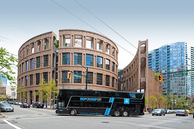 Recorrido en autobús de dos pisos con paradas libres por Vancouver: pase de 1 día