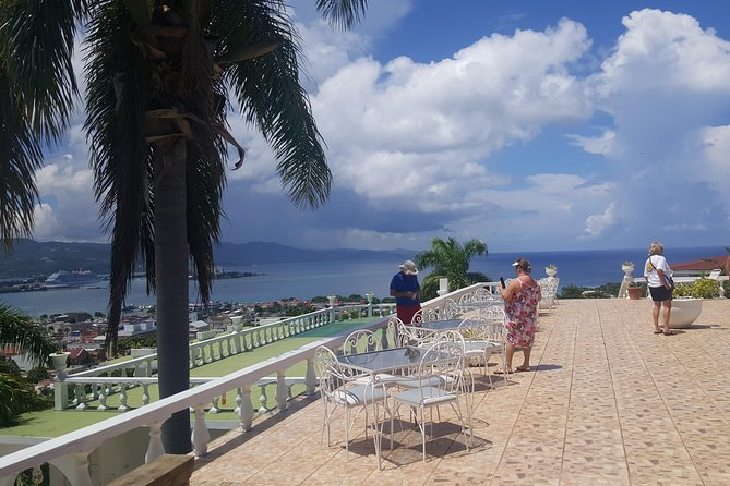 Private Montego Bay Tour and Beach from Falmouth Port/Hotels