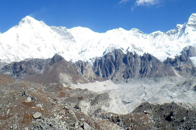 Everest Three Pass Trek 18 Days photo 3
