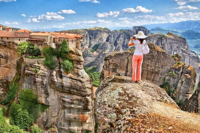 Day trip to Meteora from Athens