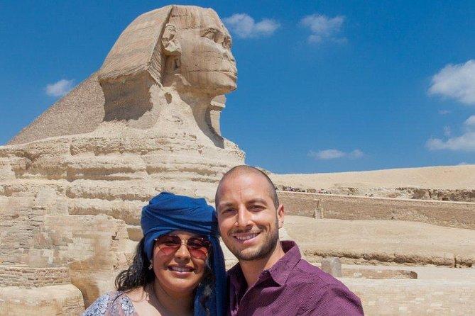 Stopover Tour of Cairo (Pyramids, Museum, Bazaar)