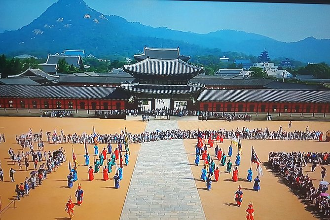 Primary and Main Royal Palace, Gyeongbokgung palace and its vicinity
