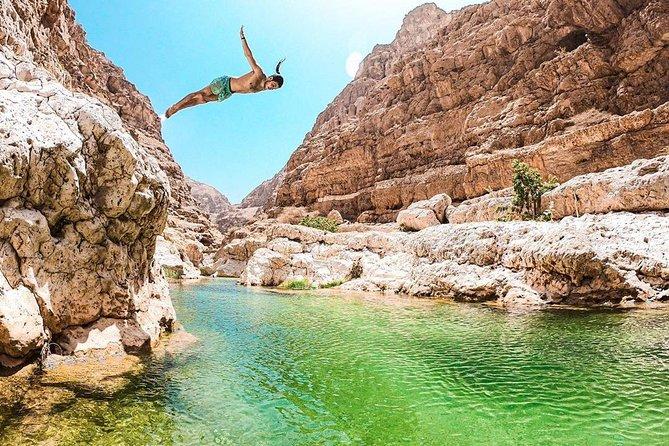 Wadi Shab full day tour (Muscat tours) : Private & custom tours