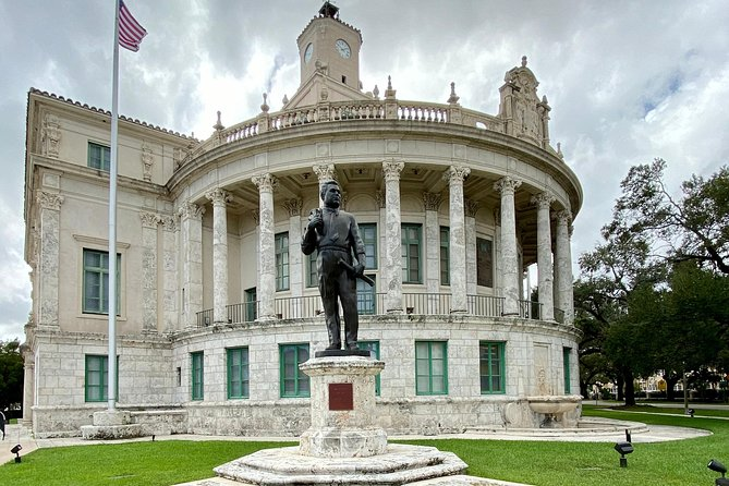 Miami Wonders, City Tour, Everglades and Boat Ride Famous Houses