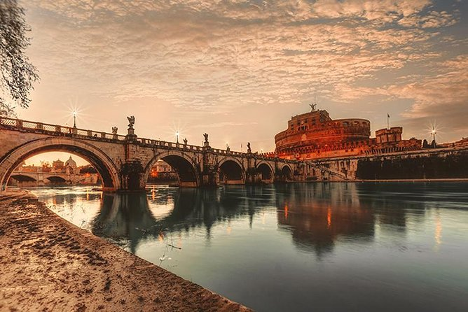 Private - Honeymoon romantic sightseeing. Rome by night (hotel pick up/drop off)