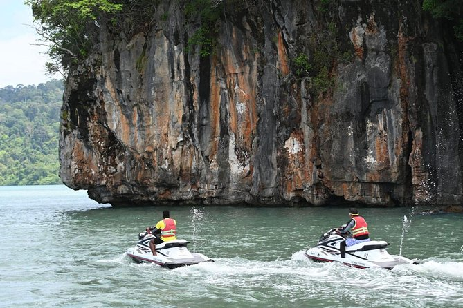 Shared Discover Magical Islands Jet Ski photo 4