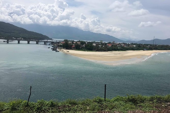 Private Car from Hoi An To Hue with English Speaking Driver