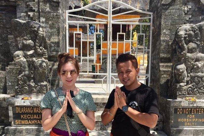 ULUWATU AND NUSA DUA TOUR-gwk-uluwatu temple-kecak dance-jimbaran-free WiFi