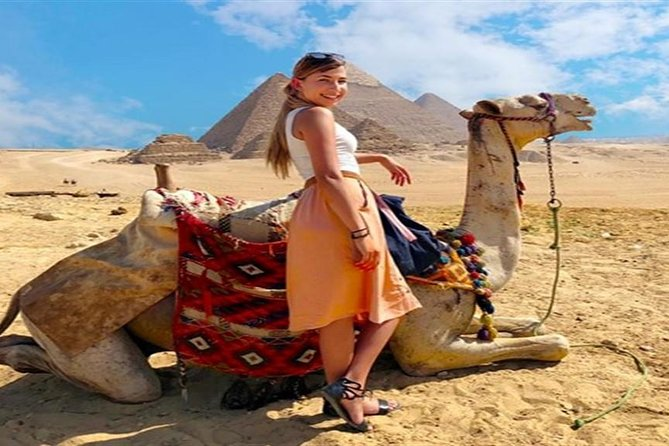 Private Half Day Tour to Giza Pyramids with Camel-Riding