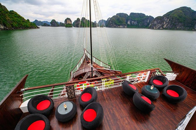 All-Inclusive 2D/1N at BEST CRUISES: Transfer, Meals, Kayak, Cave, Island, Beach