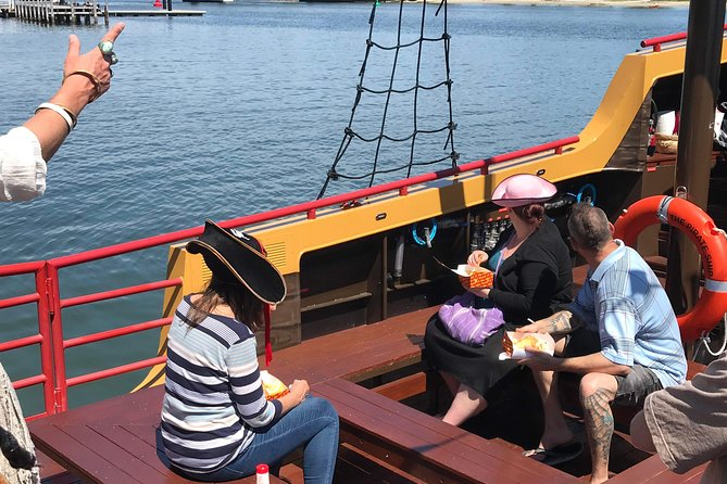 Pirate Ship Lunch Cruise (1.5hr)