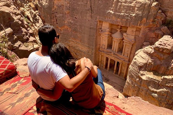 Private 3 Hours Inside Petra Tour: Treasury from the Top Off the Beaten Track