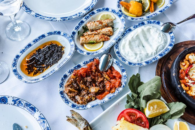 Eat & drink like a local in Istanbul: private and personalized photo 3