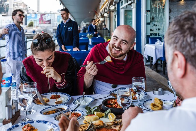 Eat & drink like a local in Istanbul: private and personalized photo 1
