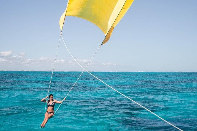 Go to Isla Mujeres aboard a Catamaran with all inclusive for the best price