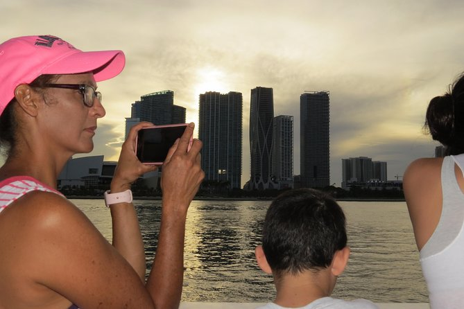 Do the Triple Crown Tour: City, Everglades, and Star Island Boat Cruise