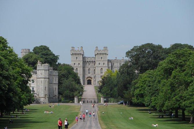 Windsor Castle & Hampton Court Palace: A Royal Saga