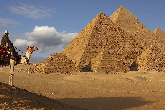 Short Layover Tour to Giza pyramids & sphinx incl camel ride lunch Entrance fees