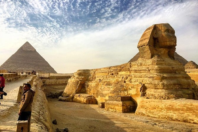 Stopover Tour: Giza Pyramids, Egyptian Museum with Lunch and Camel Ride
