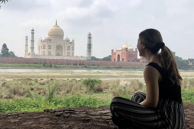 Private Taj Mahal Sunrise and Agra Fort Trip with Guide