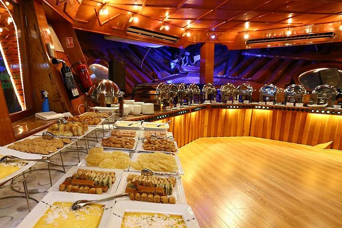 Buffet Dinner Cruise including Transfer from Abu Dhabi