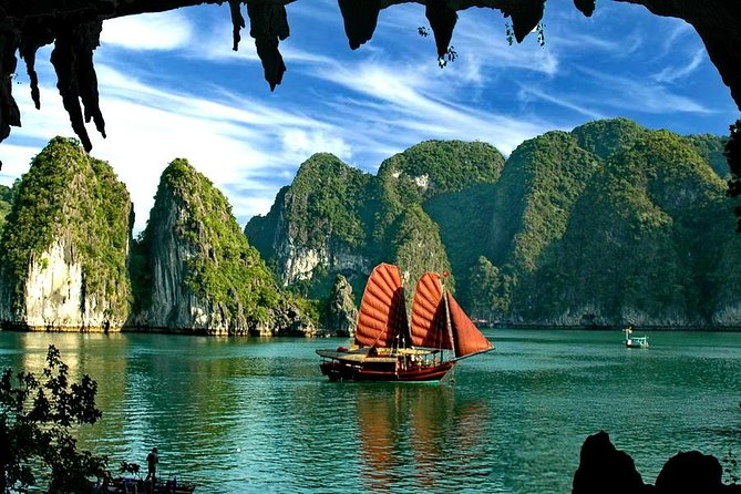 HALONG BAY LUXURY DAY TRIP( 6 Hours cruise + Limousine bus new highway express)
