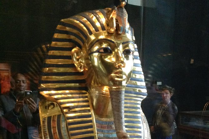 Sightseeing Day Tour to Pyramids, Egyptian Museum and Bazaar from Giza or Cairo photo 13
