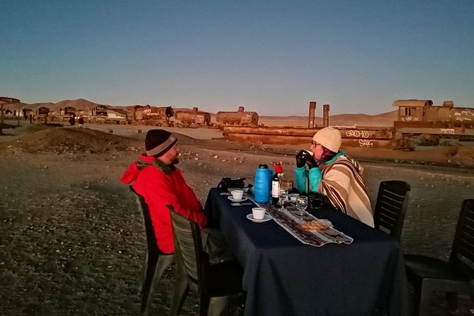 Private Tour 3 Days Uyuni Salt Flats and Colorful Lagoons from Uyuni photo 1