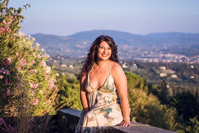 Private Photo Shoot and Sightseeing Walk in Fiesole