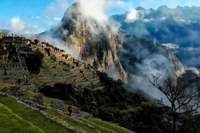 Inca Jungle Trek to Machu Picchu (4 Days)