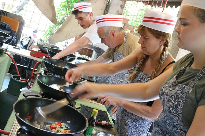Giant Panda & Sichuan Cuisine Cooking Class Private Tour (No shopping steps) photo 4