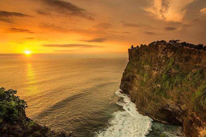 Sunset Private Tour to Uluwatu Temple with dinner at jimbaran