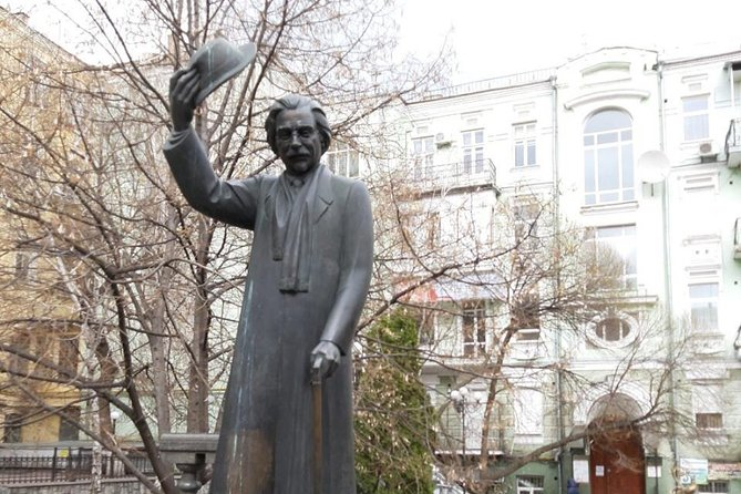 Jewish History of Kyiv including Babi Yar Memorial Private Tour